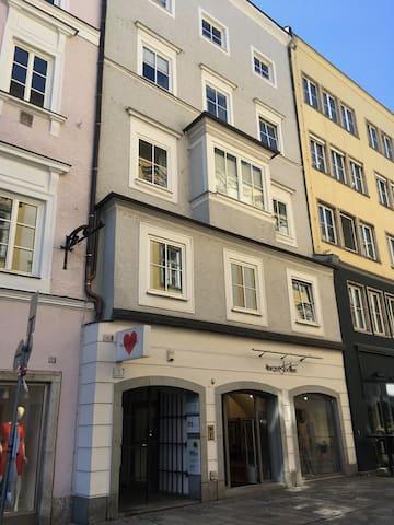 Wunderschöner Altbau am Hauptplatz Linz