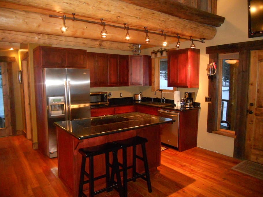 pictures of small kitchens with islands rustic and cozy coram cabin by gnp cottages for rent in 9132