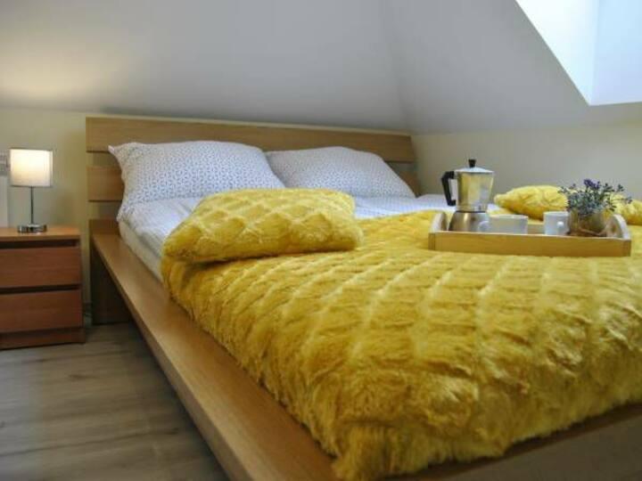 Pokój dwuosobowy z łóżkiem małżeńskim - COMFORT+