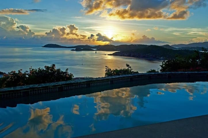 A View That Will Blow You Away - Southside - Villa