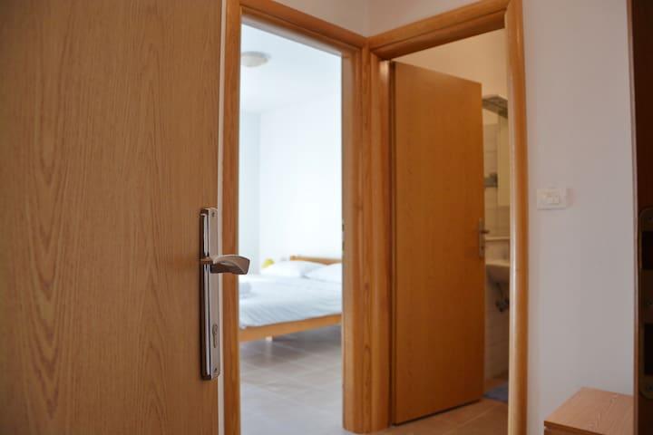 Room1 Full of life Zrće - Novalja - House
