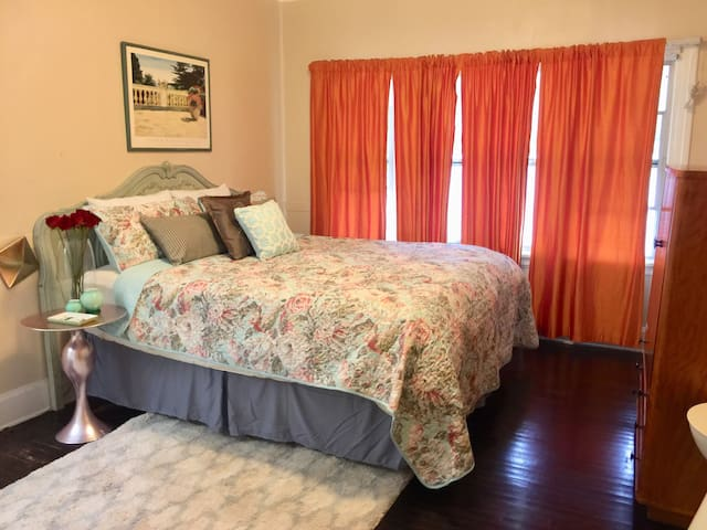 Bedroom 2 Luxurious King Bed and Silk curtains welcome you to your home away from home!