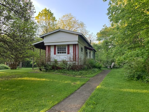 Beautiful trailer house on 5 acres At Bethel Woods
