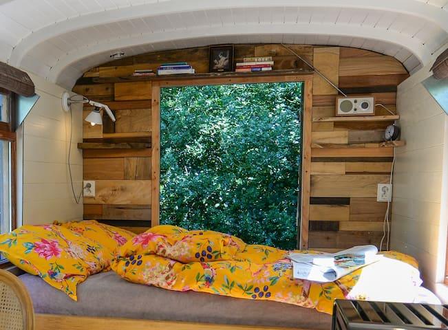 slapen kun je bijna in het bos tweepersoonsbed 140 x 190