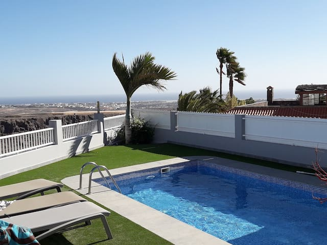 Adults Only B&B bij Maspalomas.VillaFonzie Sunrise