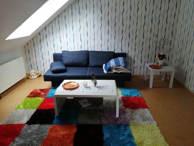 Gemütliches Zweiraum-Apartment im Grünen