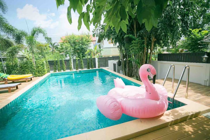 SummerTime10号 清迈五卧室泳池别墅(有多套 可咨询不同档期)(三天预定含接机服务)