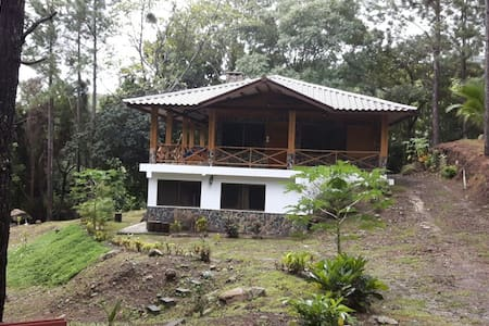Beautiful Mountain Retreat en Altos del Maria - Altos del Maria - House