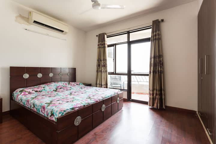 FULLY FURNISHED  2BHK, APARTMENT !!