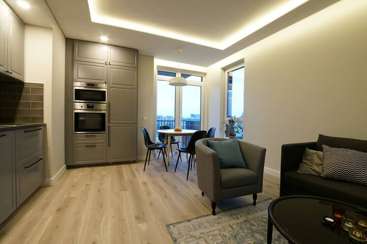 WARM AND BRIGHT APT 800 m TO OLD TOWN/FREE parking