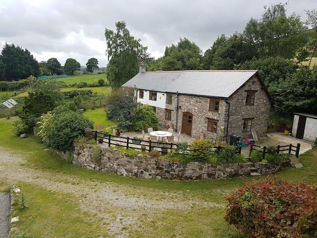 Beautiful contemporary farmhouse - great views