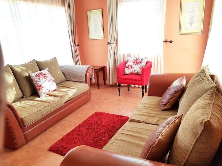 Beautiful 2 bedroom Cottage (Solar + Borehole)