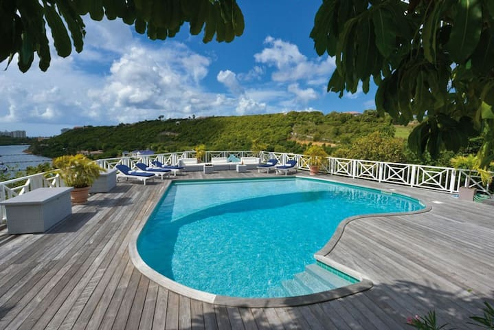 Grand View - Ideal for Couples and Families, Beautiful Pool and Beach - Terres Basses - Casa de camp