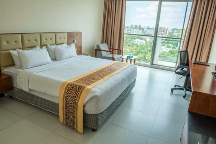 Nice and spacious hill/sea-view room at Cox'sbazar