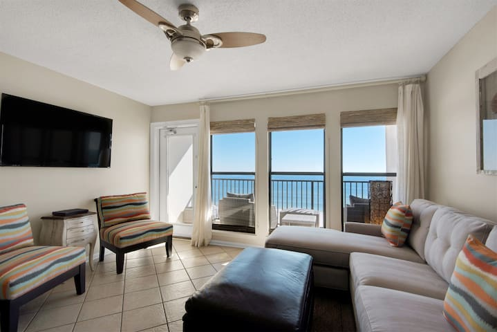 Immaculate 1 Bedroom Gulf Front Condo at Island Winds West 777