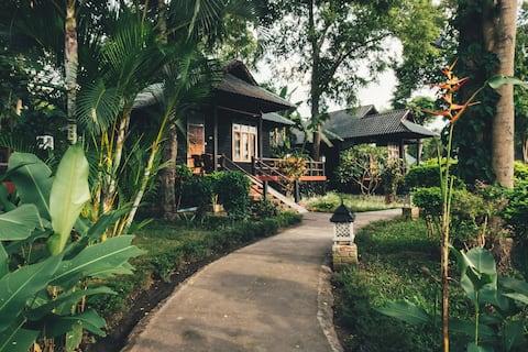 Bungalow med haveudsigt @ The Serenity Inle Resort