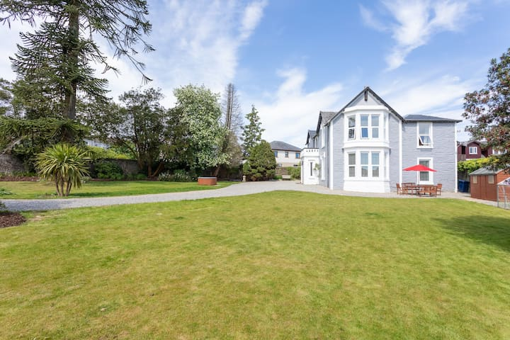 Benrhuthan House