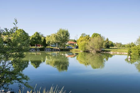 10 PARADISE CHALLETS AND CAMPING