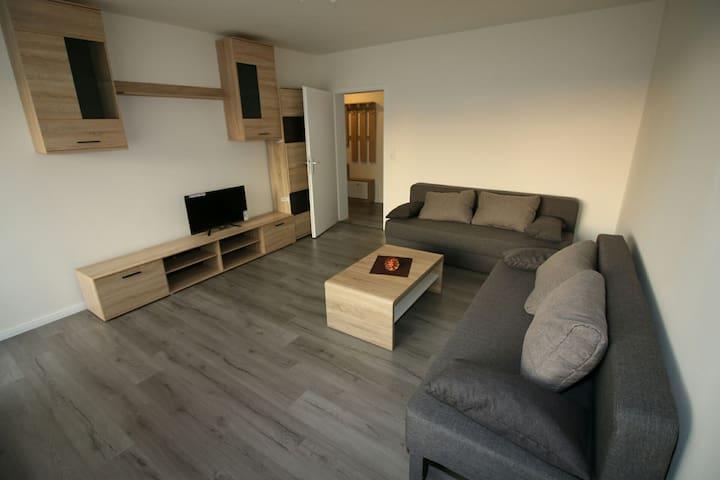 Komplette Wohnung Betten+Schlafsofa