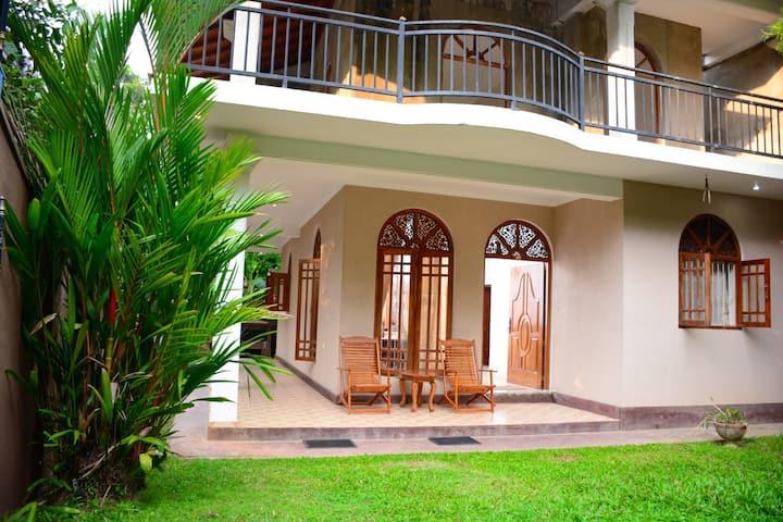 Villa Tujan