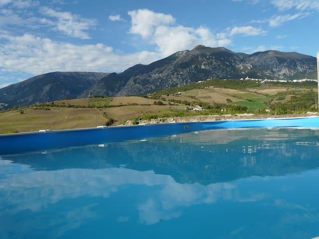 Le Farfalle Abruzzo - Farmhouse suite 1 with pool