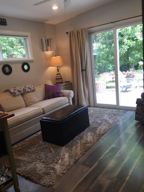 Cozy & Private Guest Suite