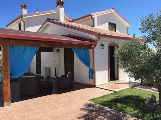 Villino con veranda e barbecue - Sant'Antioco - 獨棟