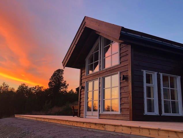 Ny og lekker hytte med badstu og fantastisk utsikt