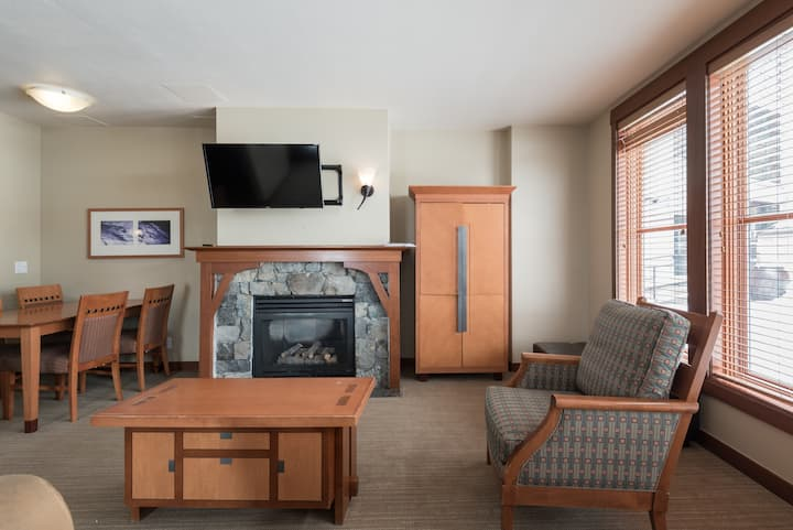Squaw Valley, Village,lodge,Resort, ski in/out.