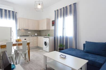 Luxury city center apartment 50m from the sea