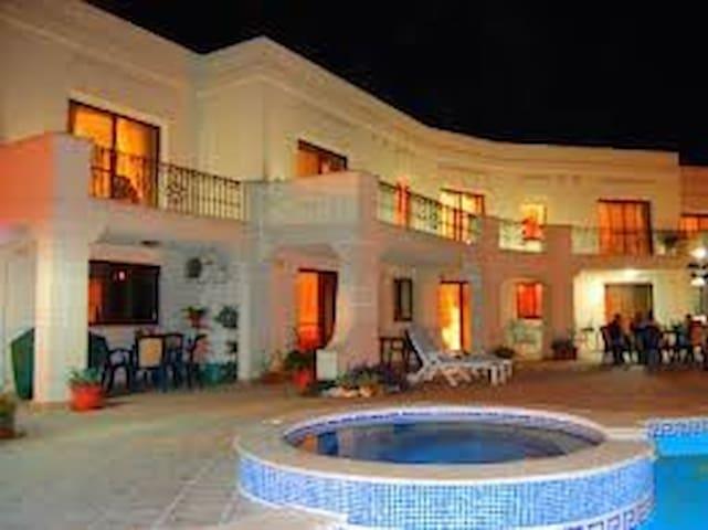 Villa Desiderata 3 bedrooms sleep 6-9, A/C, WiFi, - Il-Mellieħa - Villa