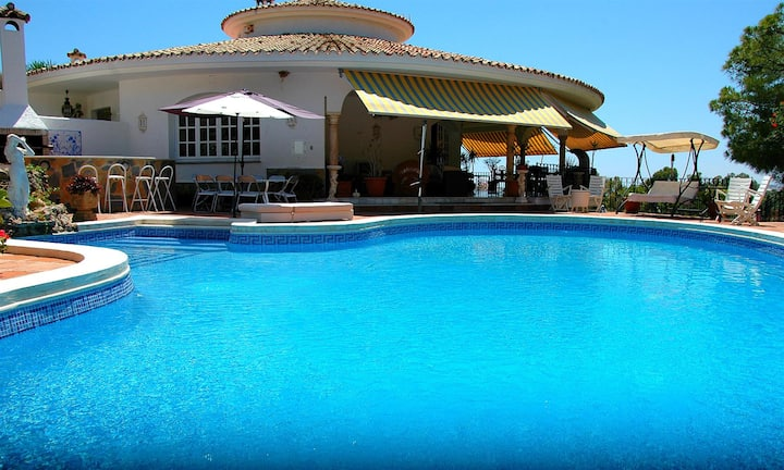 Luxury Bedroom in villa in Marbella
