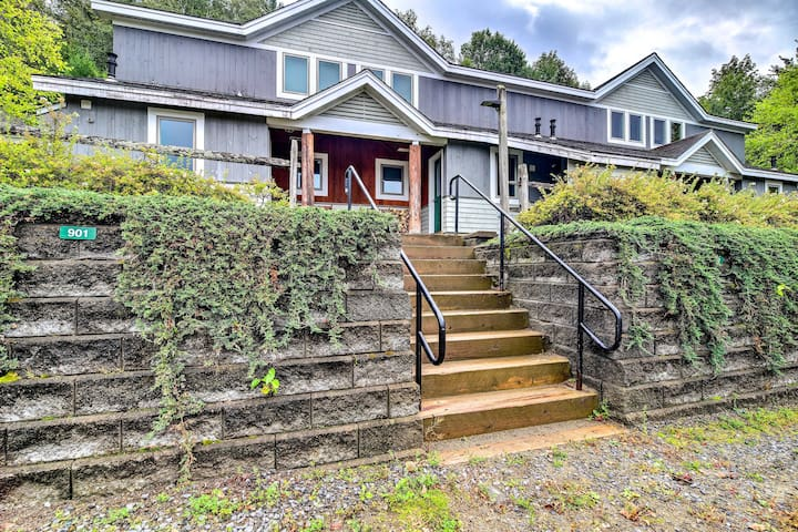 NEW! Cozy Condo w/ Patio, Walk to Burke Mountain!