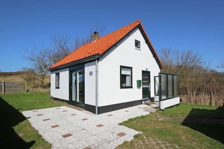 Adorable maison de vacances avec jardin à Groote Keeten