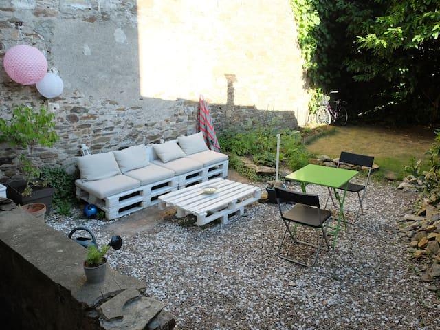 Joli duplex avec jardin sur l'île de Nantes - Nantes - Appartement