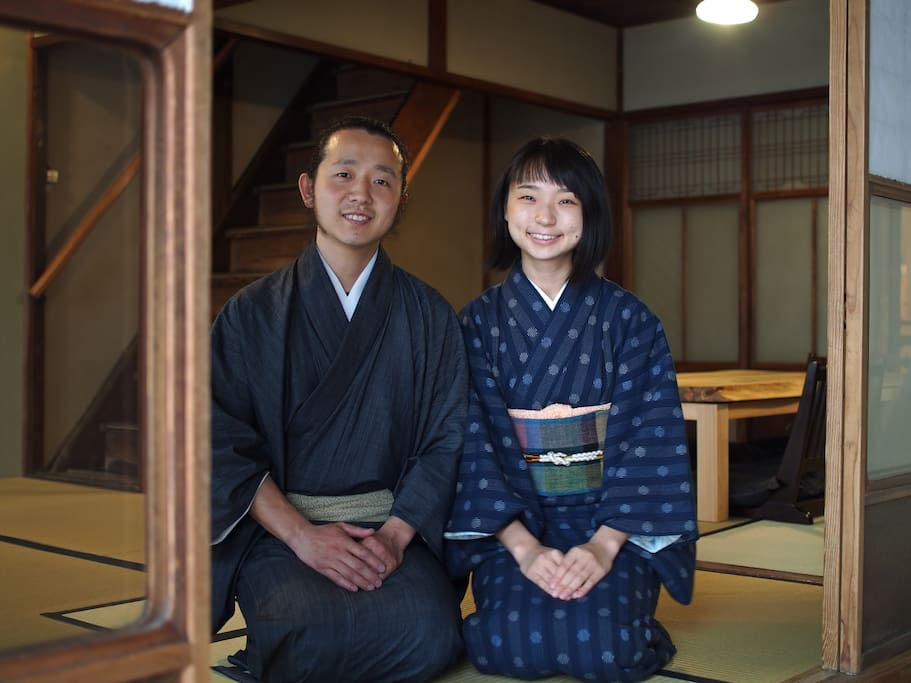Welcome to karigane, we are Shimo & Rika! We are living just around the corner, so feel free to ask us anything during your stay.京町屋コテージkariganeへようこそ。私たちはShimo & Rikaです。徒歩3分の所に住んでおりますので、困ったことがありましたらいつでも駆け付けます。#karigane_diary
