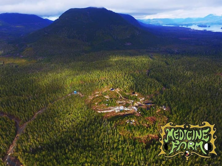 Permaculture/Foodforest camping by Tofino/Ucluelet