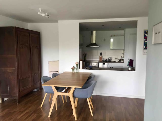 Central and bright apartment in Haidhausen