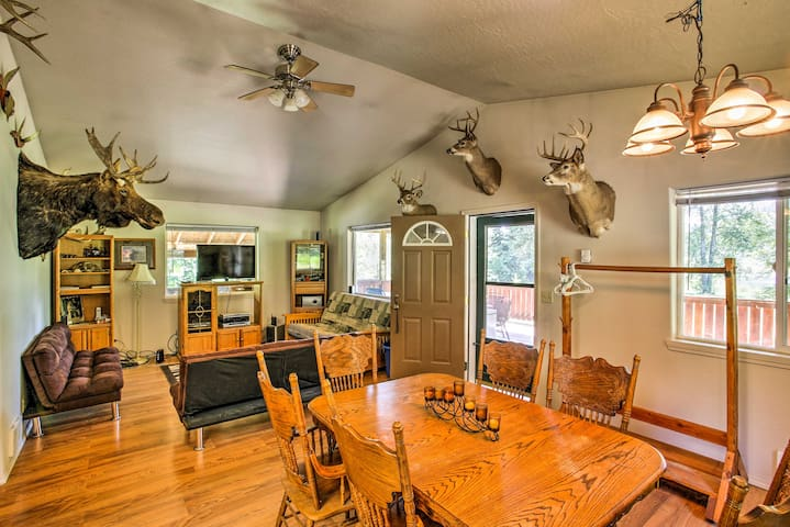 Private Abode w/ Deck & Mtn Views, Walk to River!