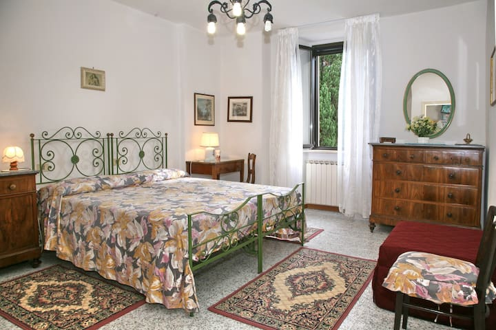 Gubbio -Villa Mozart App. Pioppi - Stazione