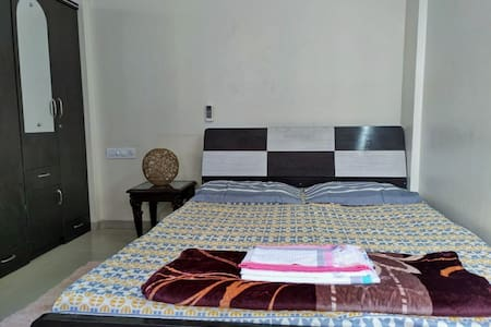 AC, Wifi Studio centrally located in Pune