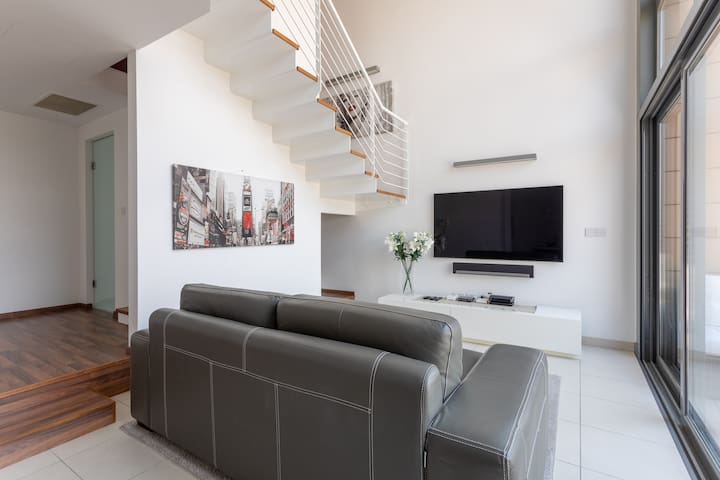 Portomaso - NEW Design Duplex Apartment