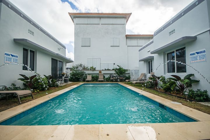 Perfect place for your Vacation! Pool House - Miami Beach - Hus