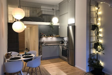 Central new architect-designed studio-apartment