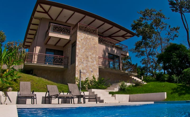 Luxury in the Middle of Nature Manuel Antonio, CR