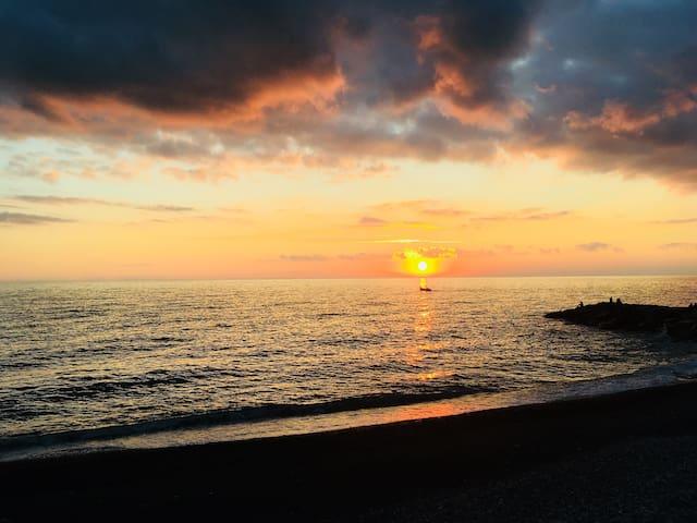 Sunset by Lavagna beach