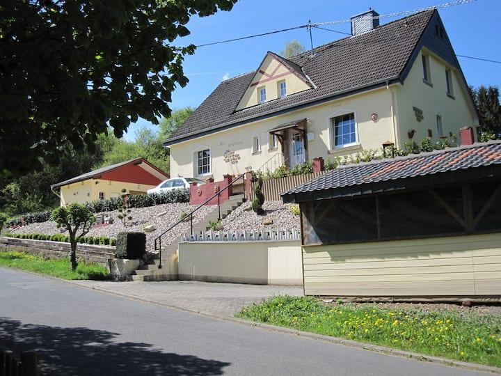 *** Ferienhaus 'Alt Bahnhaus' in ruhiger Lage