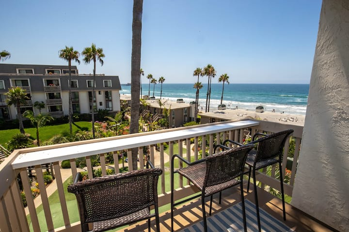 Ocean Views for Miles! Gorgeous Remodeled Penthouse at NCV