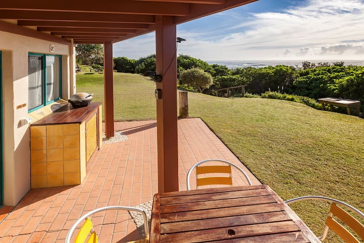 Terrace with sea view, beach 20m