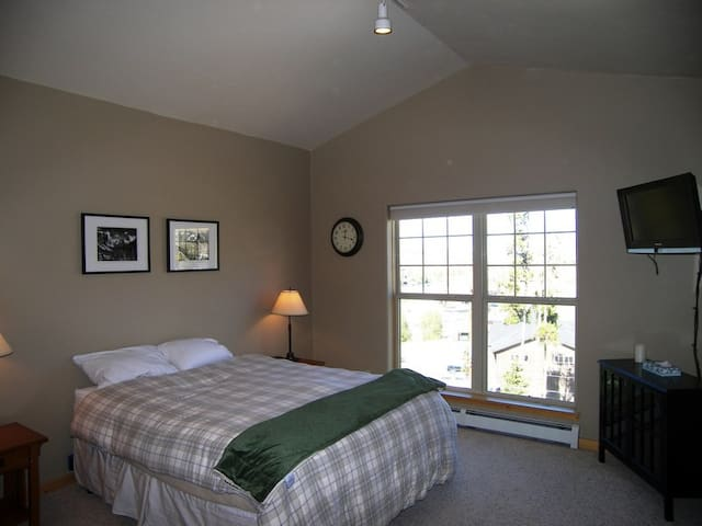 HTAT · Anemone Townhome 3 bed 3 bath